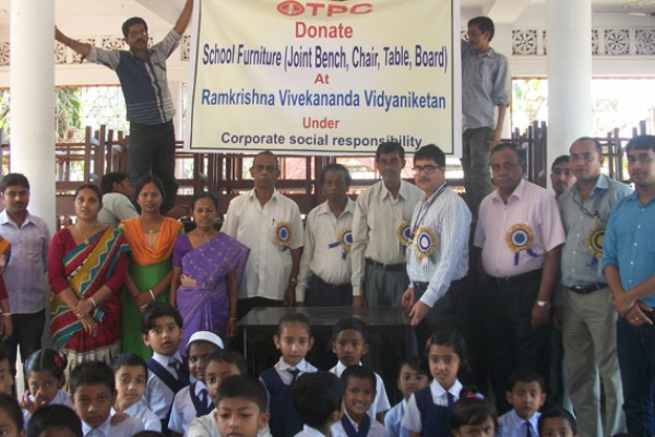 donate-furniture-at-ramkrishna-school176546A5-B625-49A2-0C31-A95ABF778E83.jpg