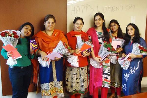 women-day6CA5F34D-E18C-169B-D0A7-7285E8934809.jpg